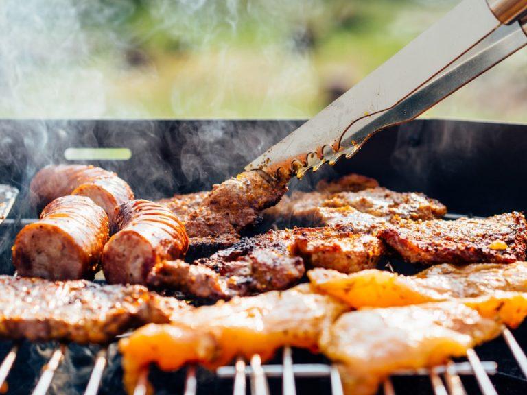 Existe um modo certo de cortar a carne para churrasco?