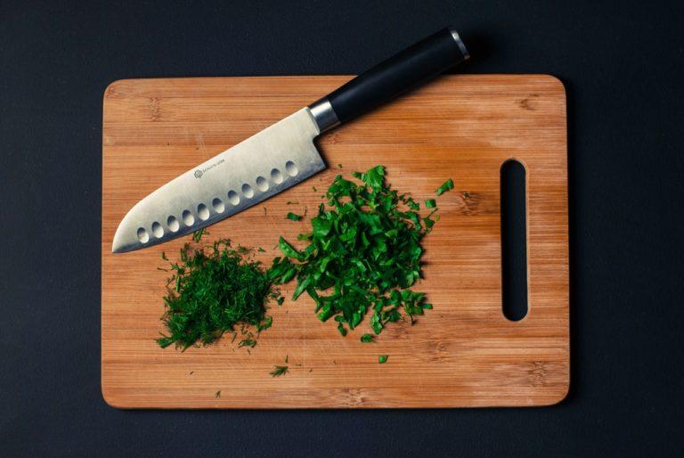 Afiar a faca: quando usar a pedra e a chaira?